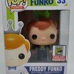 """Foto figura Número 33 """"Green Talladega Nights"""" de la colección Freddy Funko"""